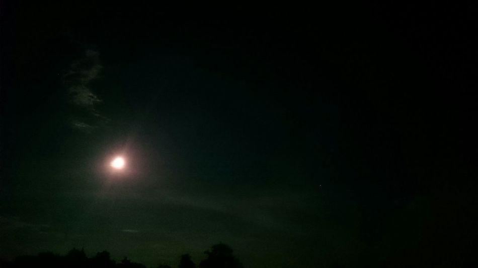 Full moon Taking Photos Unfocused Beautiful ✨