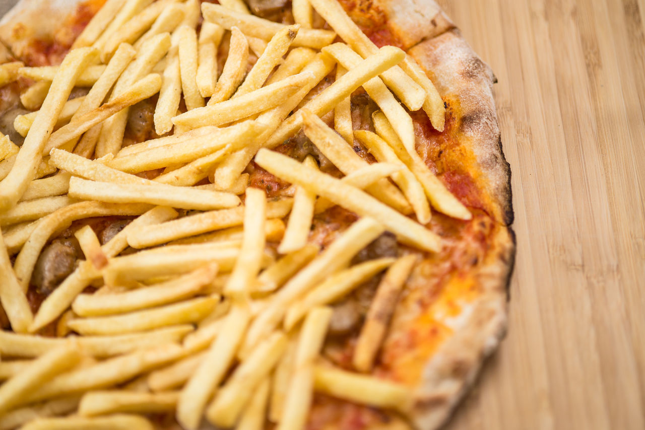 Close-up Day Eat Fast Fast Food Food Food And Drink Freshness Fries Indoors  Italian Food Junk Food No People Pizza Pizza And Fries Ready-to-eat Unhealthy Eating