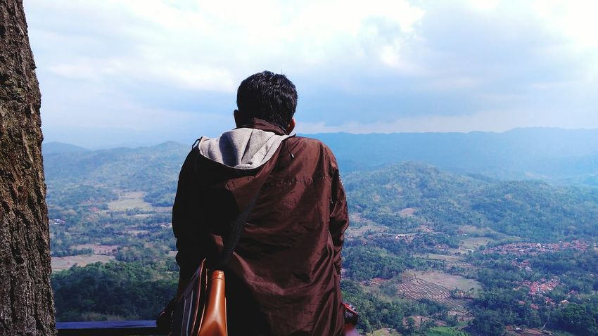 Puncak One Man Only Only Men Adult Adults Only One Person People Landscape Mountain Outdoors Adventure Sky Day Nature Politics And Government