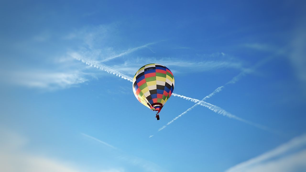 Flying Low Angle View Mid-air Multi Colored Adventure Freedom Day Sky One Person Outdoors People Parachute Balloonfiesta  Balloons🎈 Balloons In The Sky Balloon Bristol, England