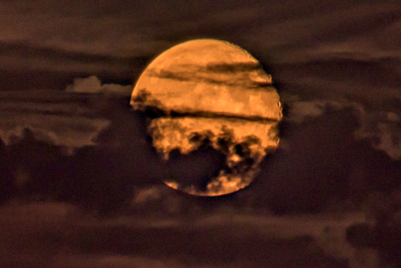 July 03 Year Of Photography 2015 Moon Death Star Moon Rising Night Sky