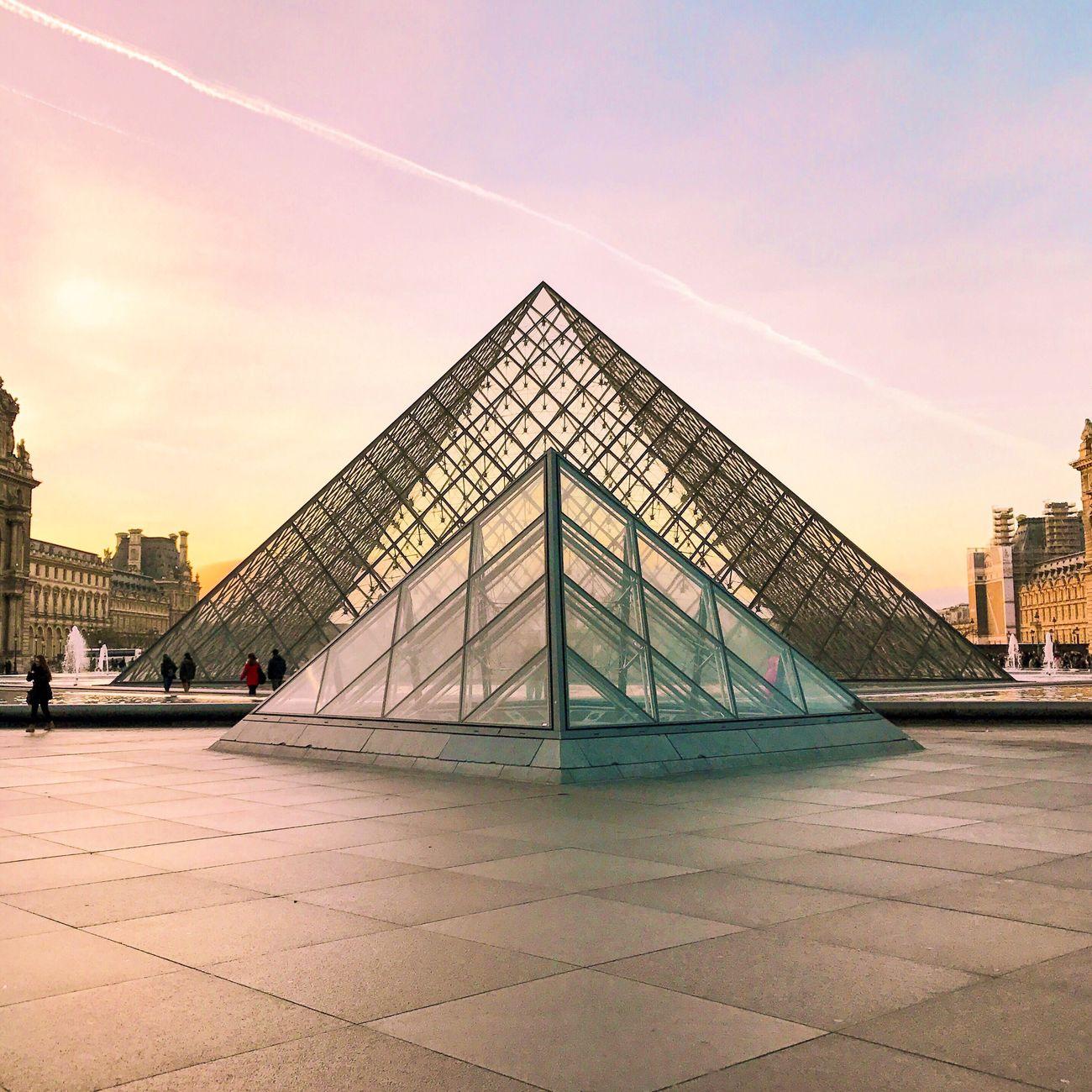 A little bit of color for a grey day! Bonjour Paris! Architecture Built Structure Sky Sunset Pyramid Parisweloveyou EyeEm Best Shots Eyem Best Shot - Architecture Paris Photooftheday Travel Destinations