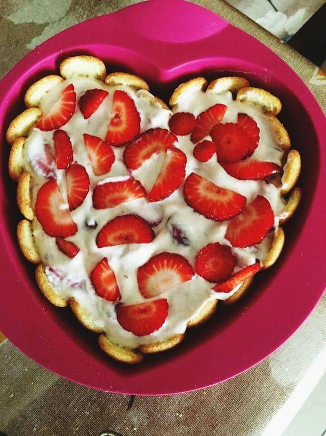 Strawberries Cake Delicious Goog Goodafternoon