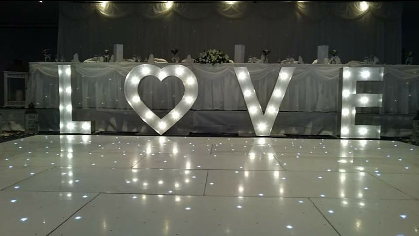 Set up ready for Wedding Wedding Wedding Photography Wedding Day Wedding Party Weddingphotography Weddingparty Setup Photography Photo Special Love Love ♥ Loveit Dancefloor Party Live Lifestyles Taking Photos Hello World The Color Of Business