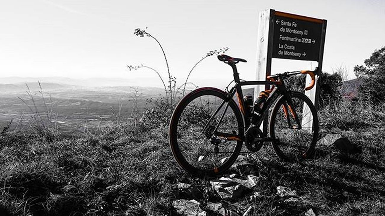 Disfrutando del domingo. Montseny Traning Stradadedacciai Stravaphoto Strava Garmin520 Garmin Speedsix Sellesanmarco Ritchey Cicling Ciclismo Cncbike Tbikes