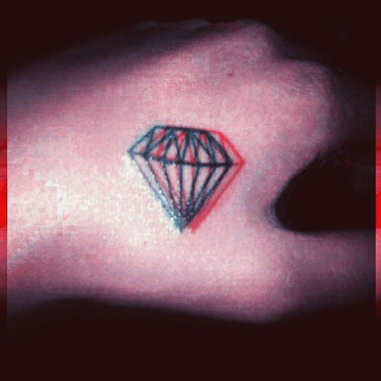 Tattoo Diamond Glow Hand Trend Close-up Swag