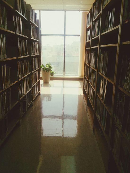 من صبح ربي بالمكتبة ، تبا للريسيرج ??