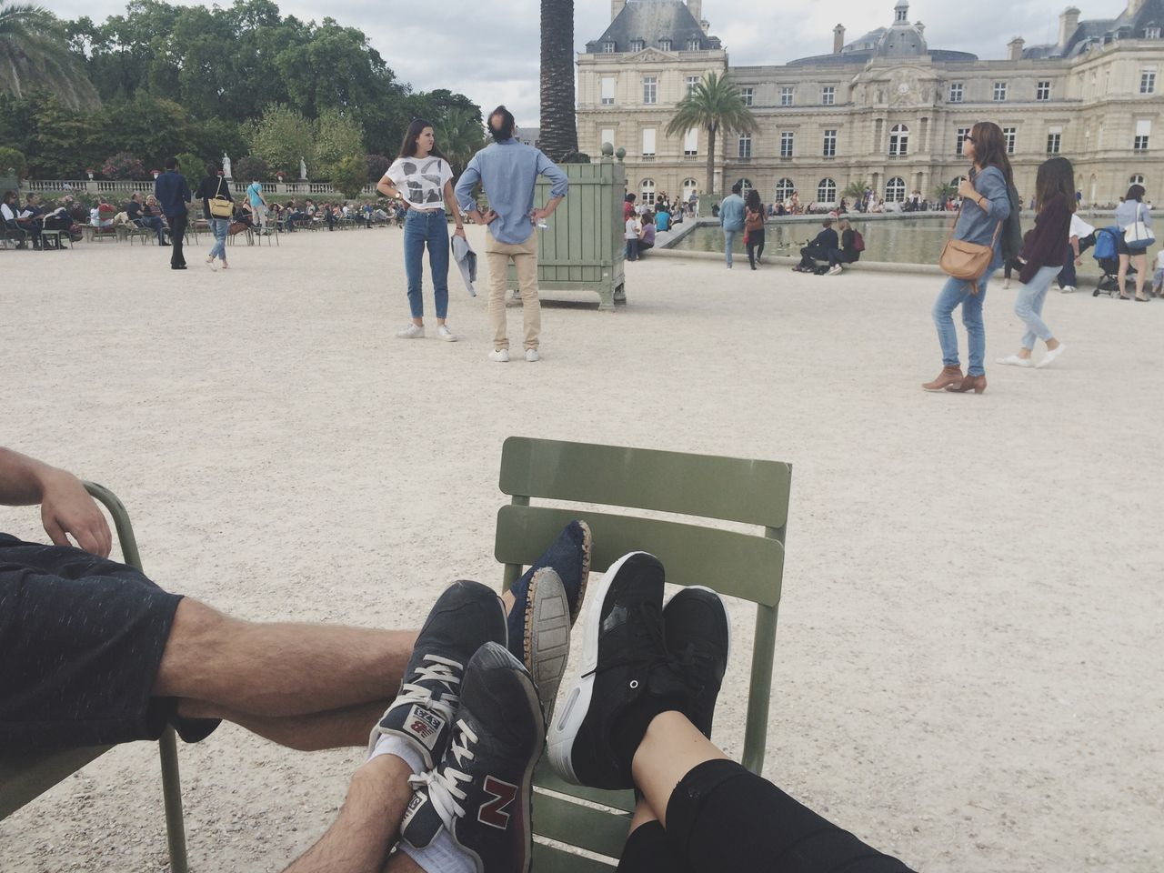Relaxing Relaxation Feet Leisure Activity Lifestyles Sitting Shoe Shoe Shoes City Life From My Point Of View Parc Park Jardin Du Luxembourg Paris People And Places Paris, France  Weekend Friends Friendship Sneakers Outdoors Day Basket Baskets