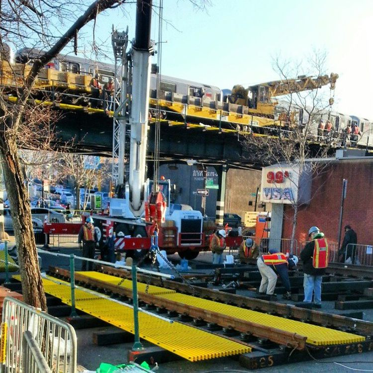 @mikefavetta Today they shut down Broadway ave due to replacing the old subway tracks on the 1 train, with new ones. News12TheBronx