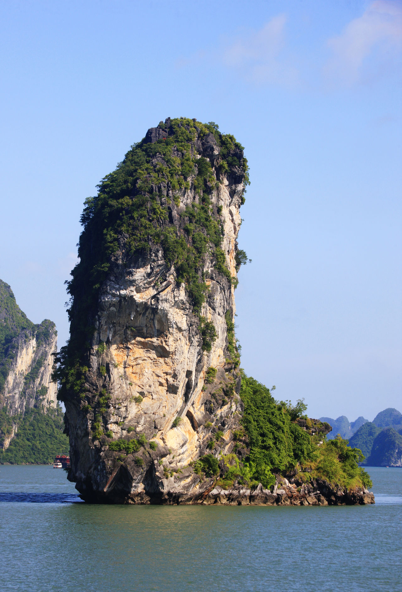 Halong Bay Beauty In Nature Blue Clear Sky Day Halong Halong Bay  Halong Bay Vietnam Horizontal Landscape Nature No People Outdoors Rock - Object Scenics Sea Sky Tranquil Scene Tranquility Tree Tropical Climate Vietnam Water