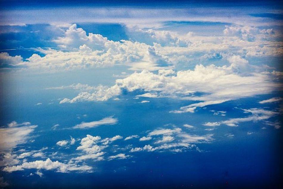 👣👣📷… 浪花朵朵🌊 白雲朵朵☁ 傻傻望著👀 虛實難辨❔ 白雲 浪花 朵朵 藍天 碧海 界線 隨拍 帶著鏡頭趴趴照 碧海藍天 大自然 無憂無慮 飄 浮雲 棉花 天空 望 隨記