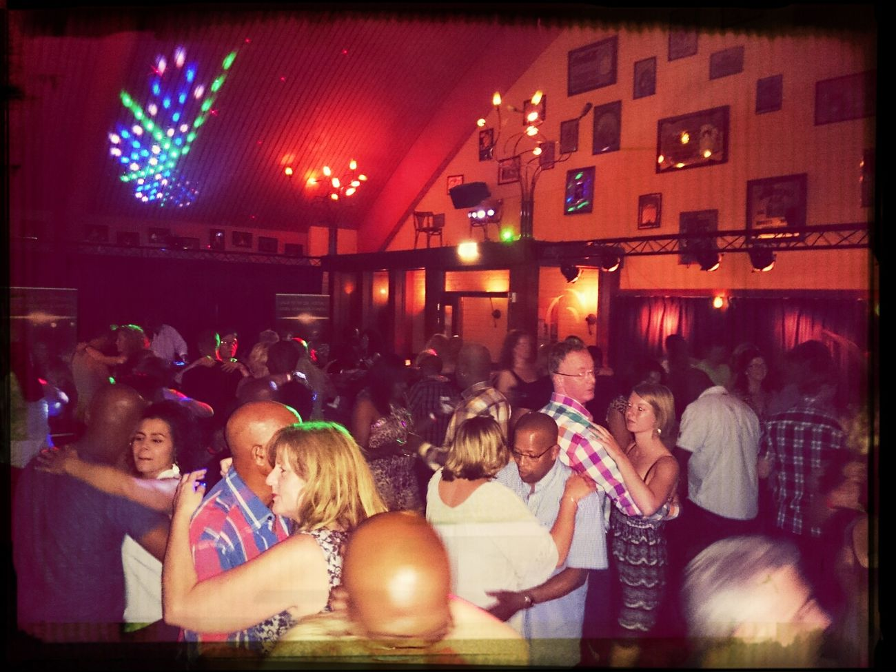 people Dancing :)  Bachata @MiSalsa_nl MiComboLatino Party