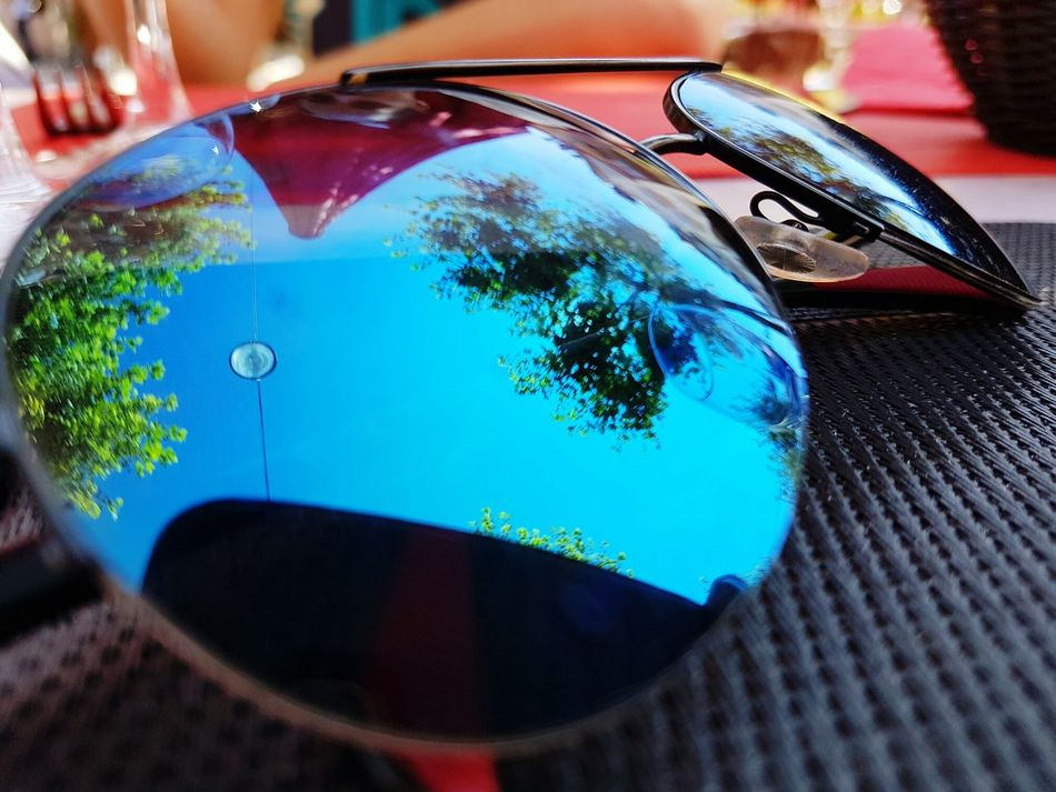 Reflection Outdoors Sunglasses Sunglasses ✌👌 Sunglasses Reflection Sunglasses :) Car No People Day Sky Close-up