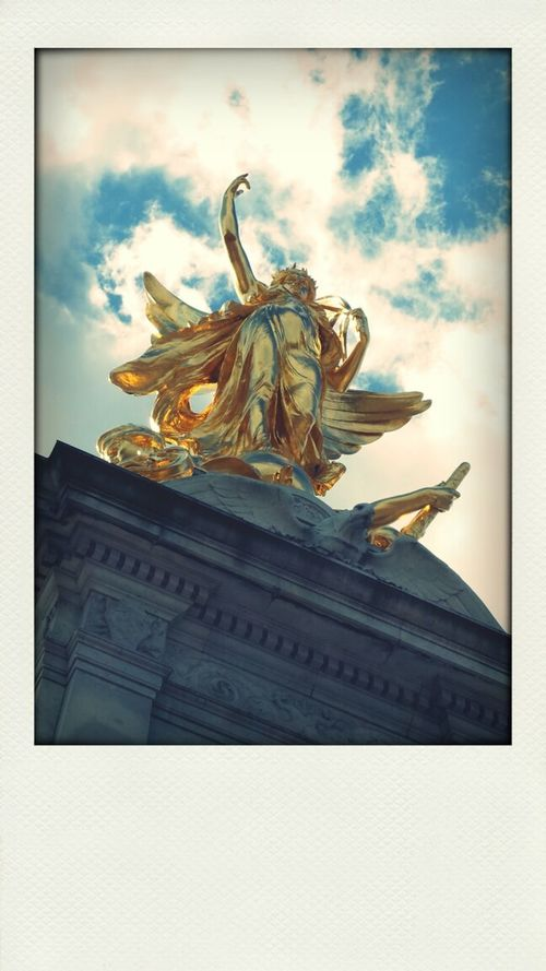 Pola Filter Golden Statue Sky Lumiere Divine