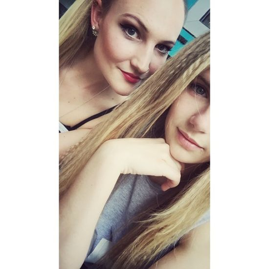 Normal schoolday Girls Friends ❤ Taking Photos Enjoying Life At School Beauty Smile Eyes ❤ Stuttgart