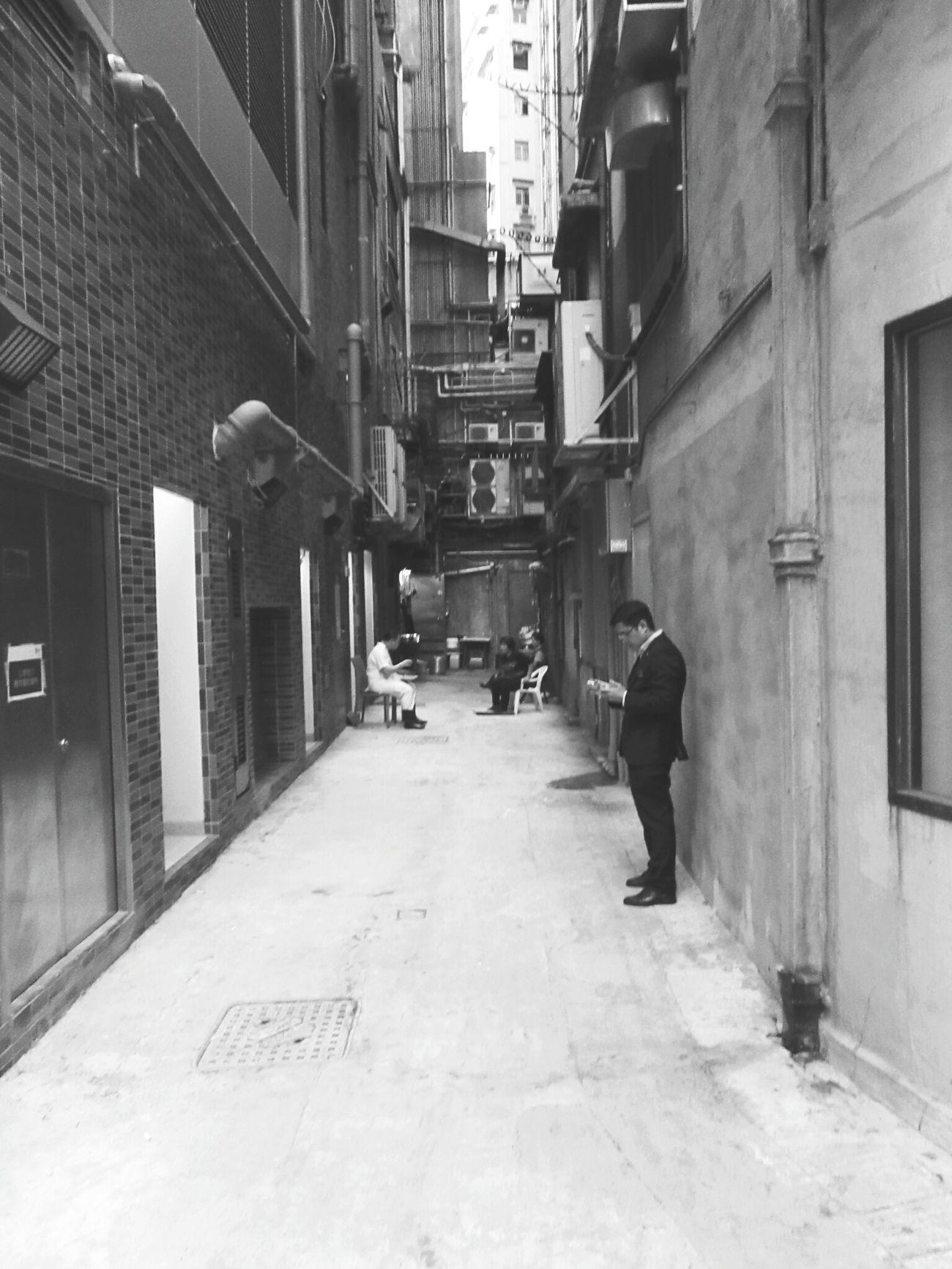 Hongkongstreet Hongkongcity Hong Kong City Hongkongcollection Hongkonglife Hongkongphotography HongKong Street Photography Blackandwhite Photography Blackandwhite Fortheloveofblackandwhite Hongkong Black&white Black And White B&w Street Photography