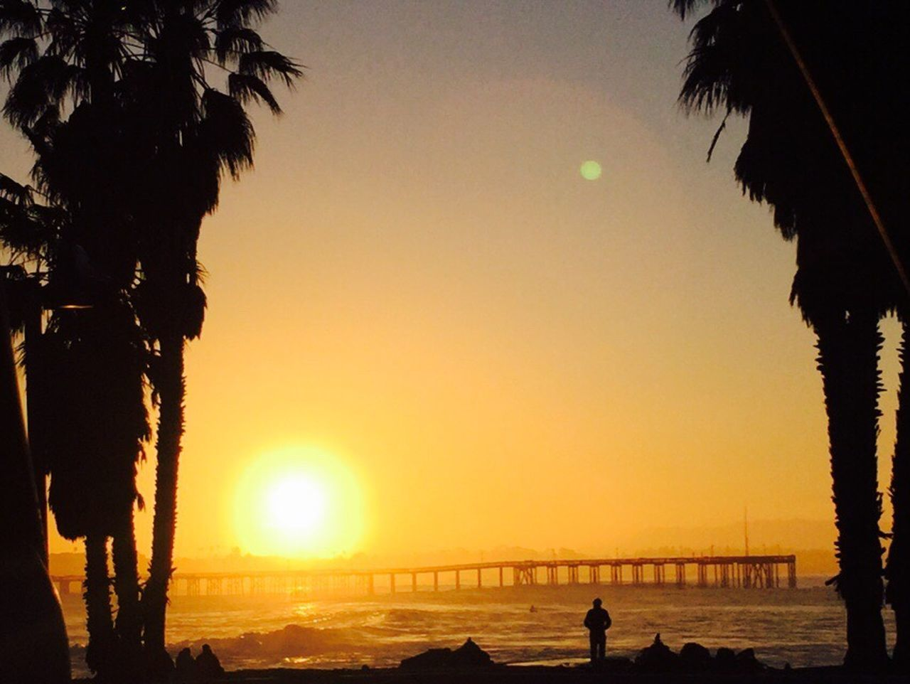 43 Golden Moments Ventura Waves Beach Photography Sunset Palm Trees Awesome Promenade Southern California Coast California Nature Photography Life Is A Beach Times To Remember Serenity Downtown Peir Wooden