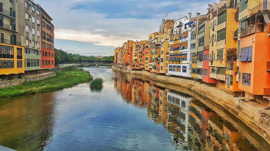 Girona SPAIN España España2016 Nature Outdoors City Road Street Building Exterior Architecture Built Structure River View RiverRiver🌊🌊🌊 Riverrivr River River Riverside