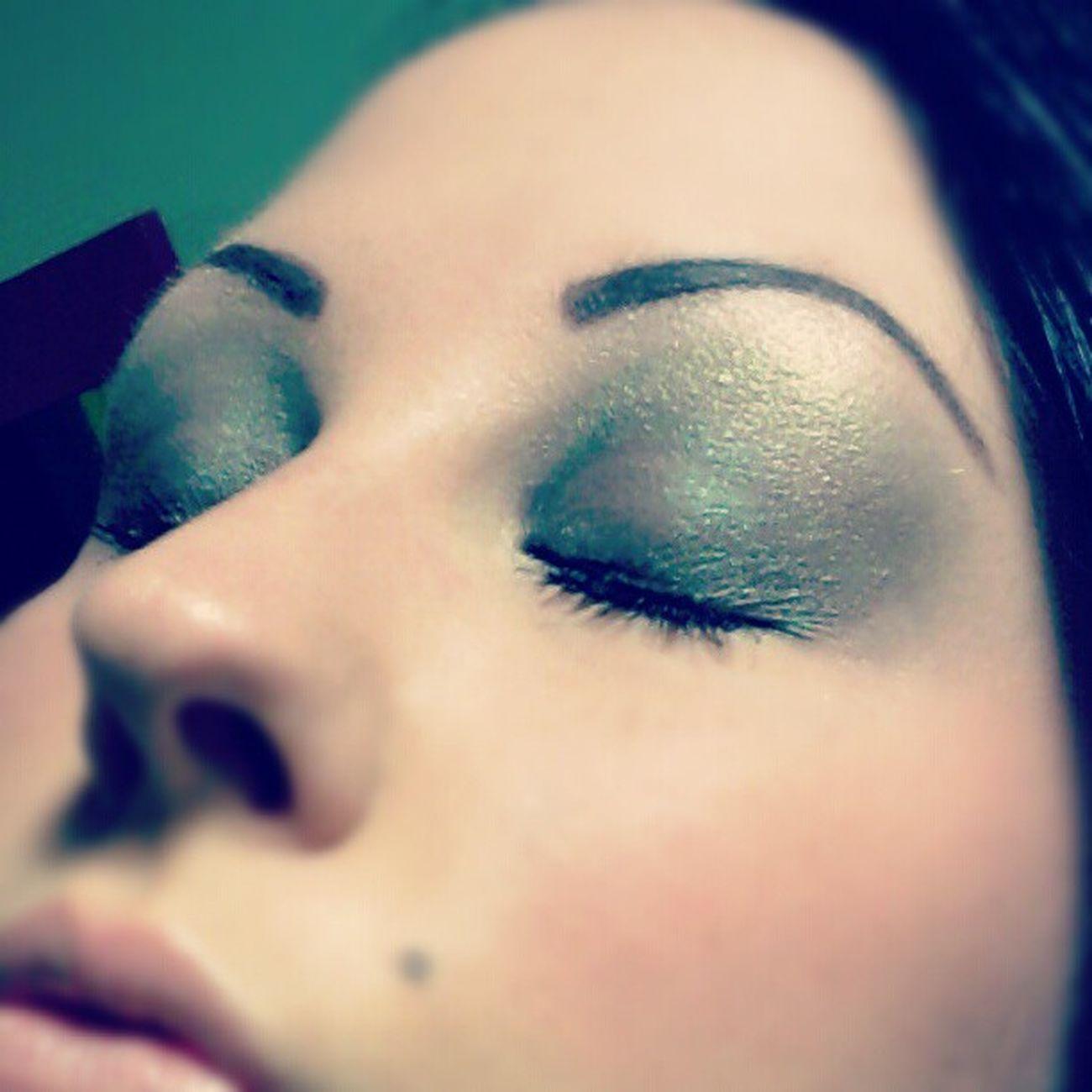 Muotd Makeupoftheday Toofacedmakeup TooFaced greenmakeup goldmakeup tattooedeyebrows