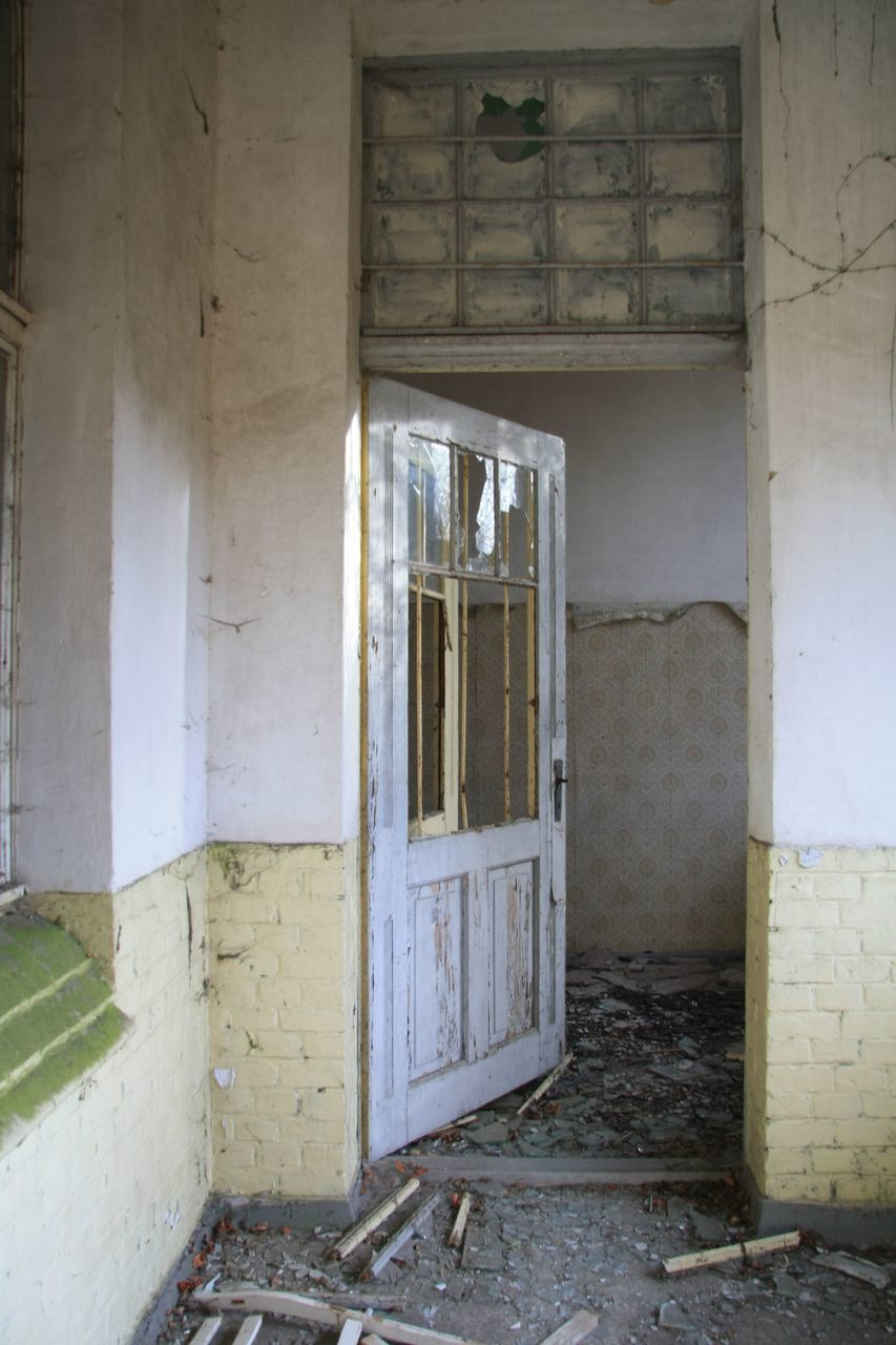 door, architecture, built structure, doorway, damaged, no people, abandoned, day, building exterior, indoors, open door