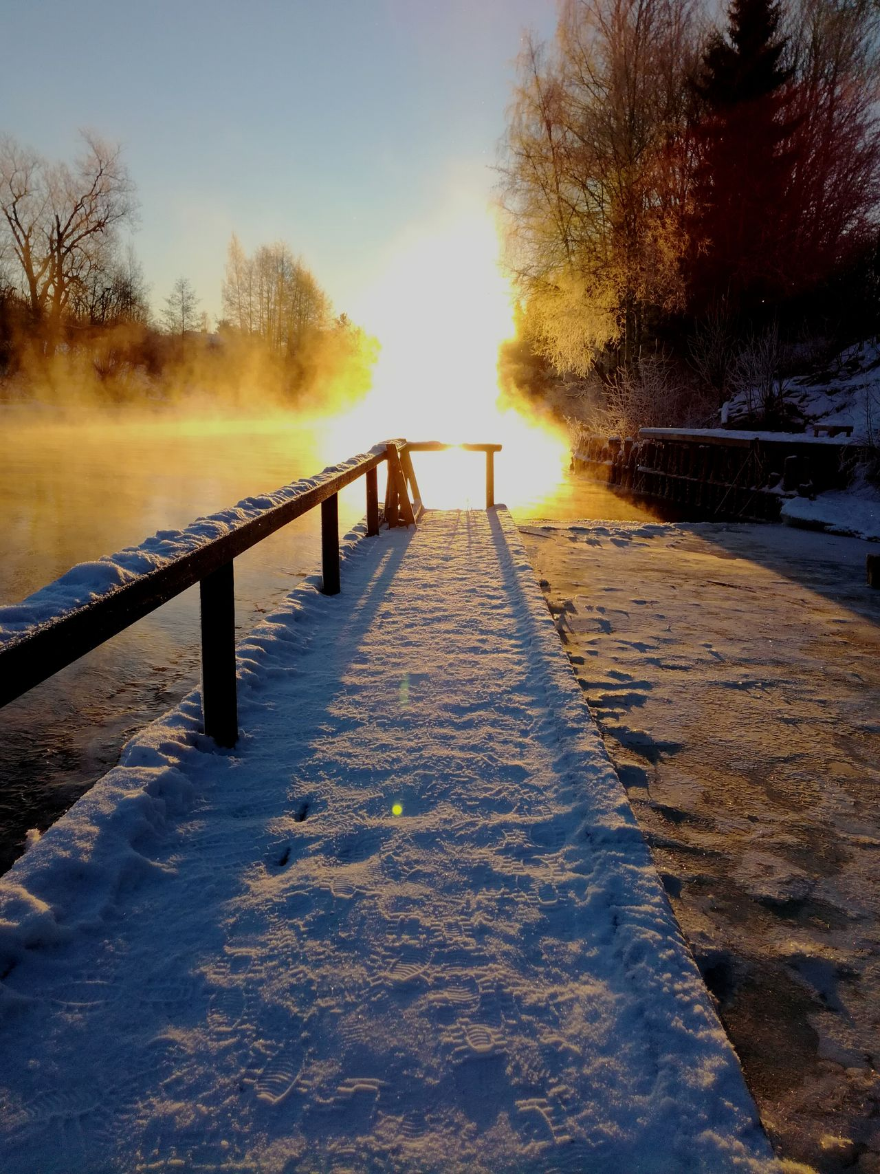 Water Nature No People Beauty In Nature Outdoors Steam Kotka, Finland Light And Shadow Wintertime Korkeakoski Early Morning Morning Ice Sun Sunlight Frozen Beauty In Nature Sunrise Landscape Winter Cold Temperature Snow Winter Sun River Pier