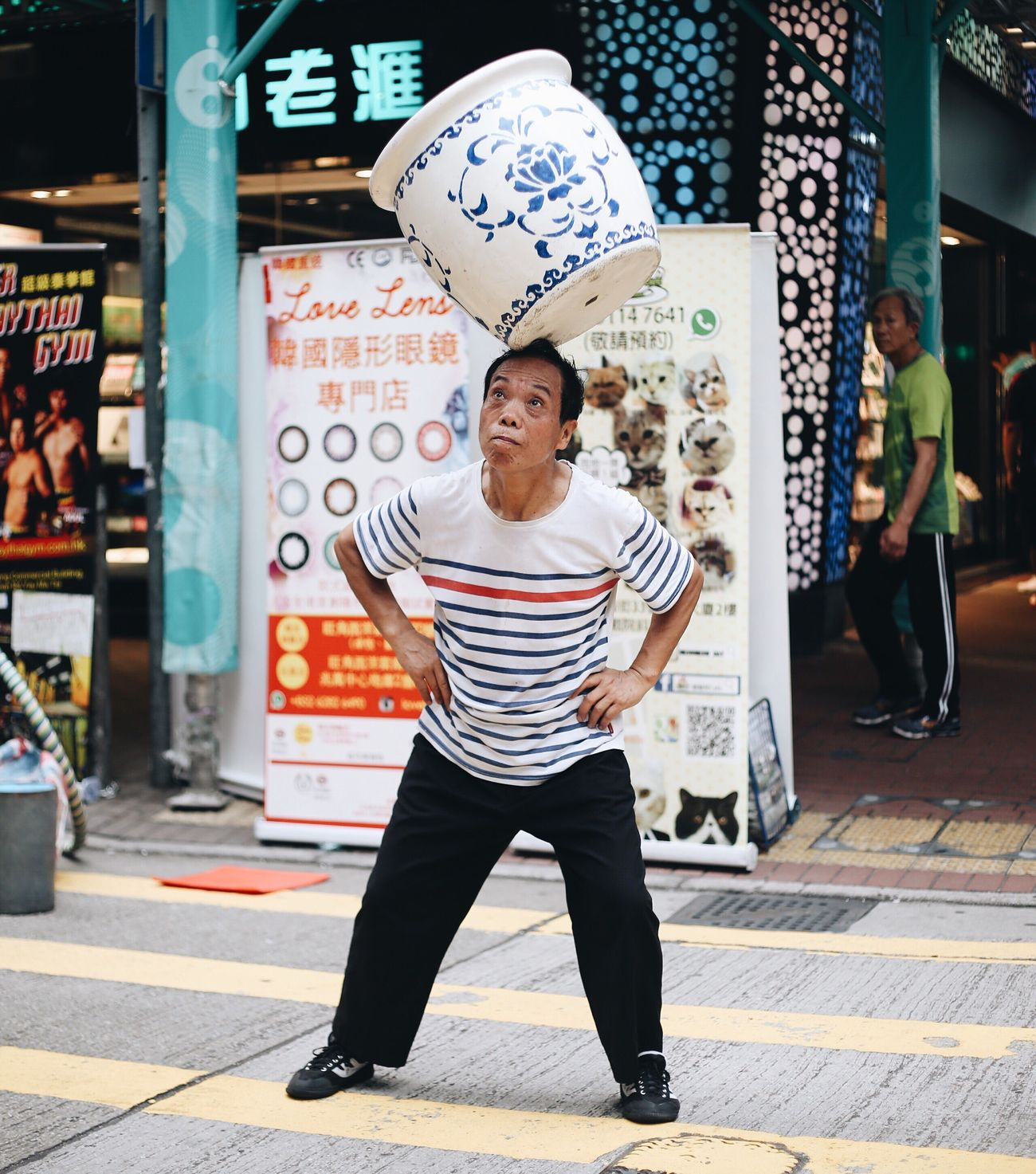 Feel The Journey HongKong Explorehongkong Streetphotography Streetperformer Chinese Art EyeEm X Canon - Feel The Journey