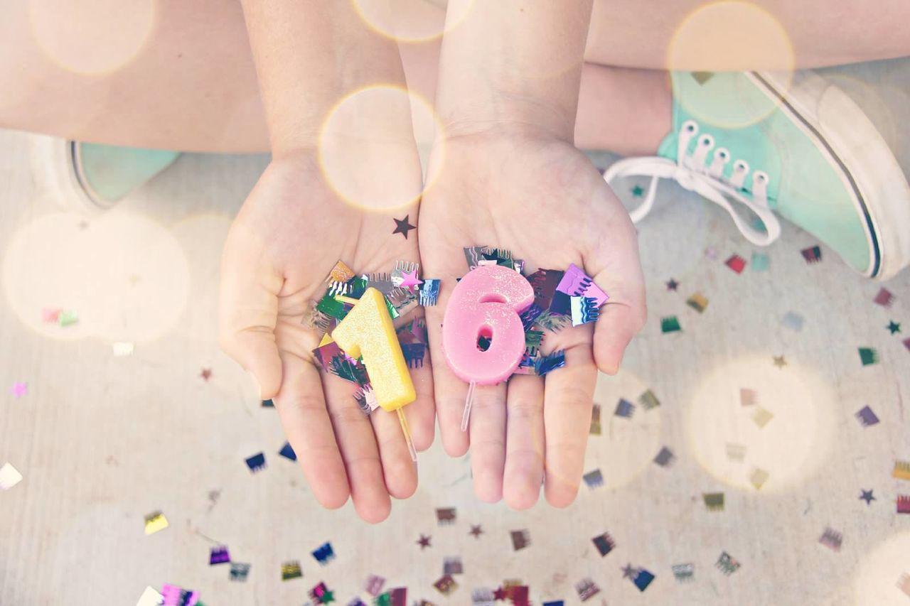 Beautiful stock photos of glücklich, Birthday, Celebration, Close-Up, Cropped