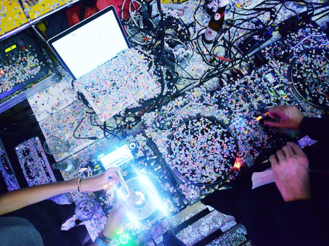 Beautiful stock photos of decks, Confetti, DJ, Human Body Part, Human Hand