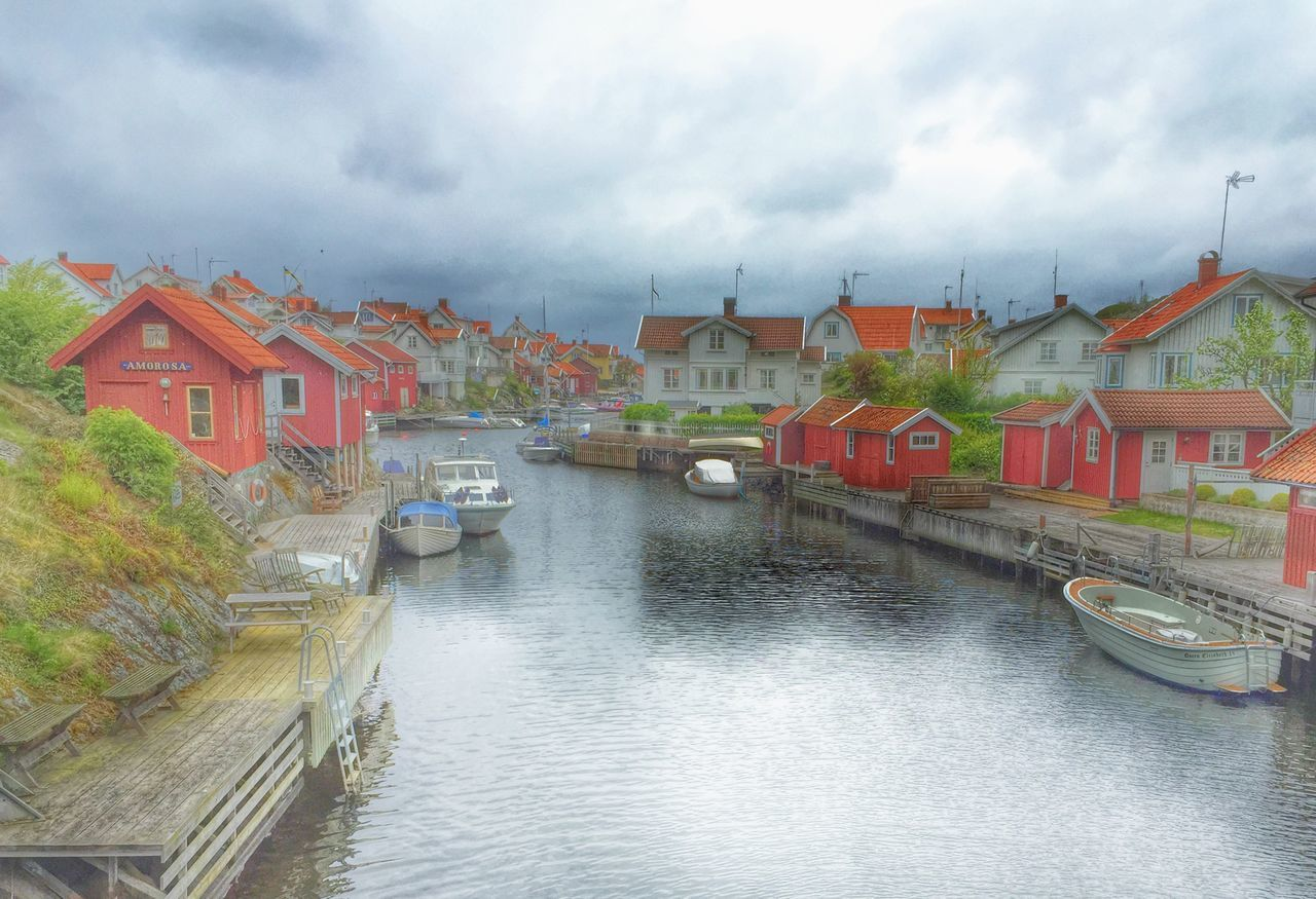 One of the lovely place we visit this weekend on à phototrip! IPhone Snapseed Clouds Old Buildings Harbour Boats Sweden Popular Photo OpenEdit