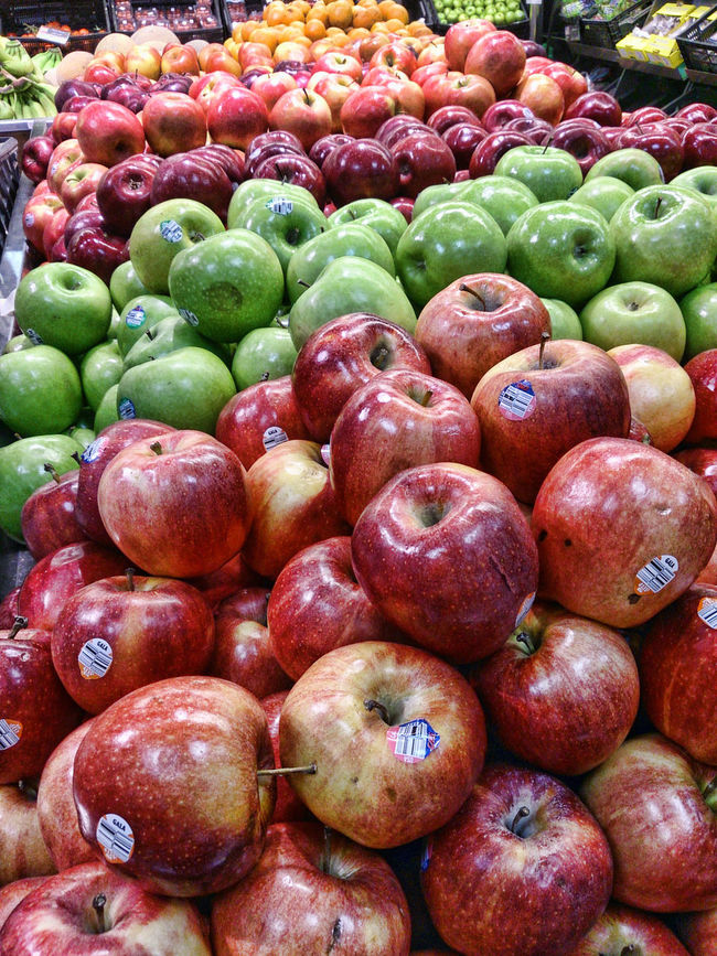 at the supermaket Apple - Fruit Apples Close-up Eat Healthy EyeEm Fruit Collection Eyeem Fruit Shot Eyeem Fruits For Sale Fruit Green Market Stall Red