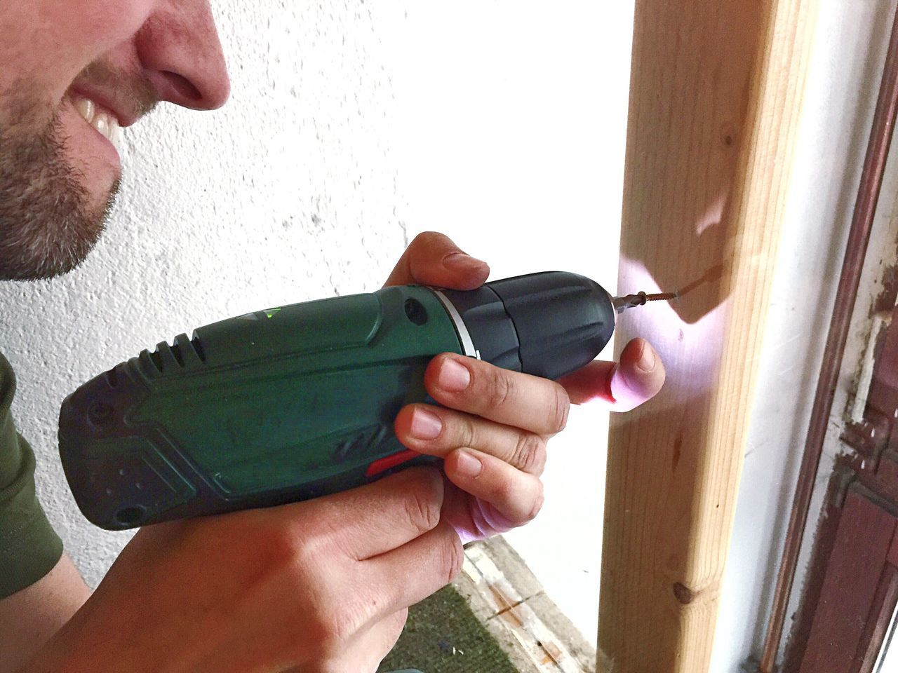 Hands At Work Electric Screwdriver DIY Hands On