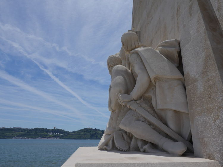 Monumento de homenagem aos descobrimentos. Monument for the celebration of the great discoveries Cloudy Sky Low Angle View Monument Of The Discoveries Architecture Day Human Representation No People Outdoors Padrão Dos Descobrimentos Sculpture Sea Sky Statue Water