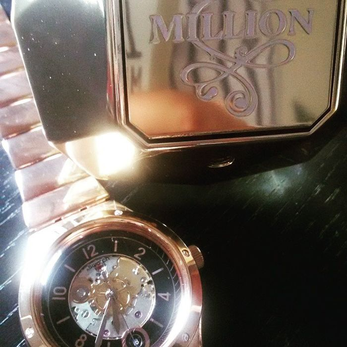 Swatch Pacorabanne Saturday Shopping Loveweekends Gold Onemillion