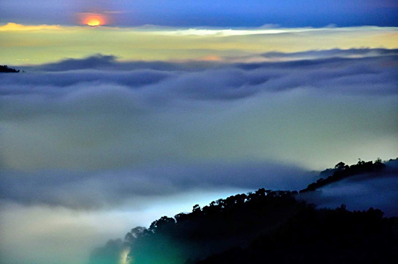 First Quarter Moonset Clouds And Sky Clouds Like Ocean Sky Cloud - Sky Nature Beauty In Nature Scenics Mountains Monuments Colorful Taiwan