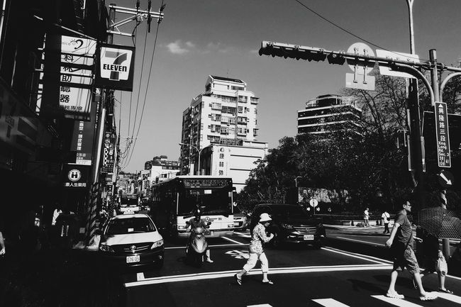 Morning Taipei Walking Street City Life Urban Skyline Phone Photography Xhinmania Week On Eyeem People And Places The Week Of Eyeem EyeEm Taiwan Streetphotography Streetphotography_bw Land Vehicle Day