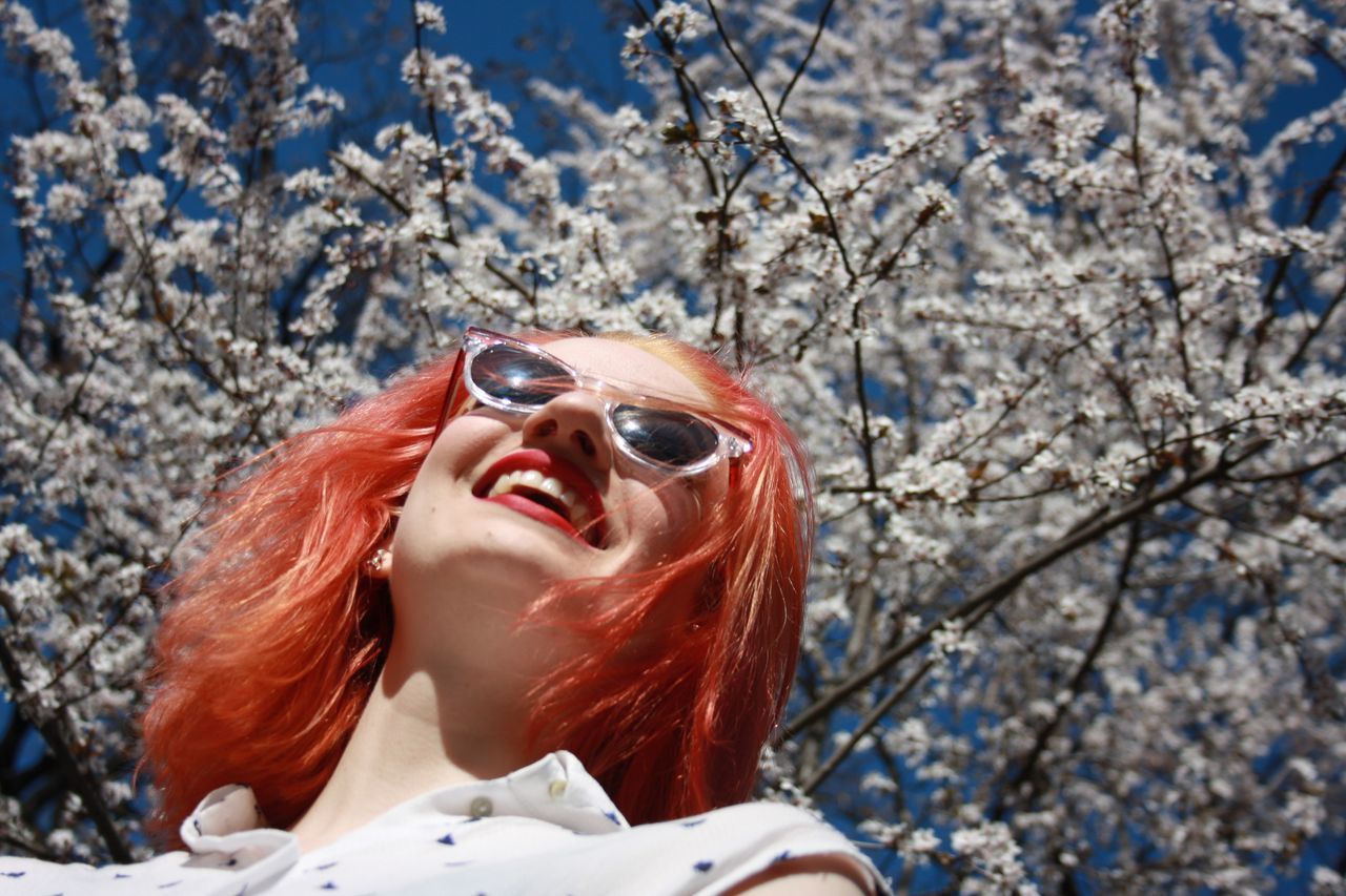 #Blossoms #flower #spring #white #nature  #Freedom #laughing #redhair #springtime #youth Day One Person One Woman Only EyeEmNewHere Sunglasses Sunlight