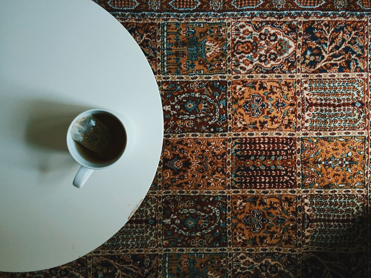 Break. VSCO Vscocam Relaxing Tea Carpet Textures And Surfaces Pattern Light And Shadow Cozy Interior Design