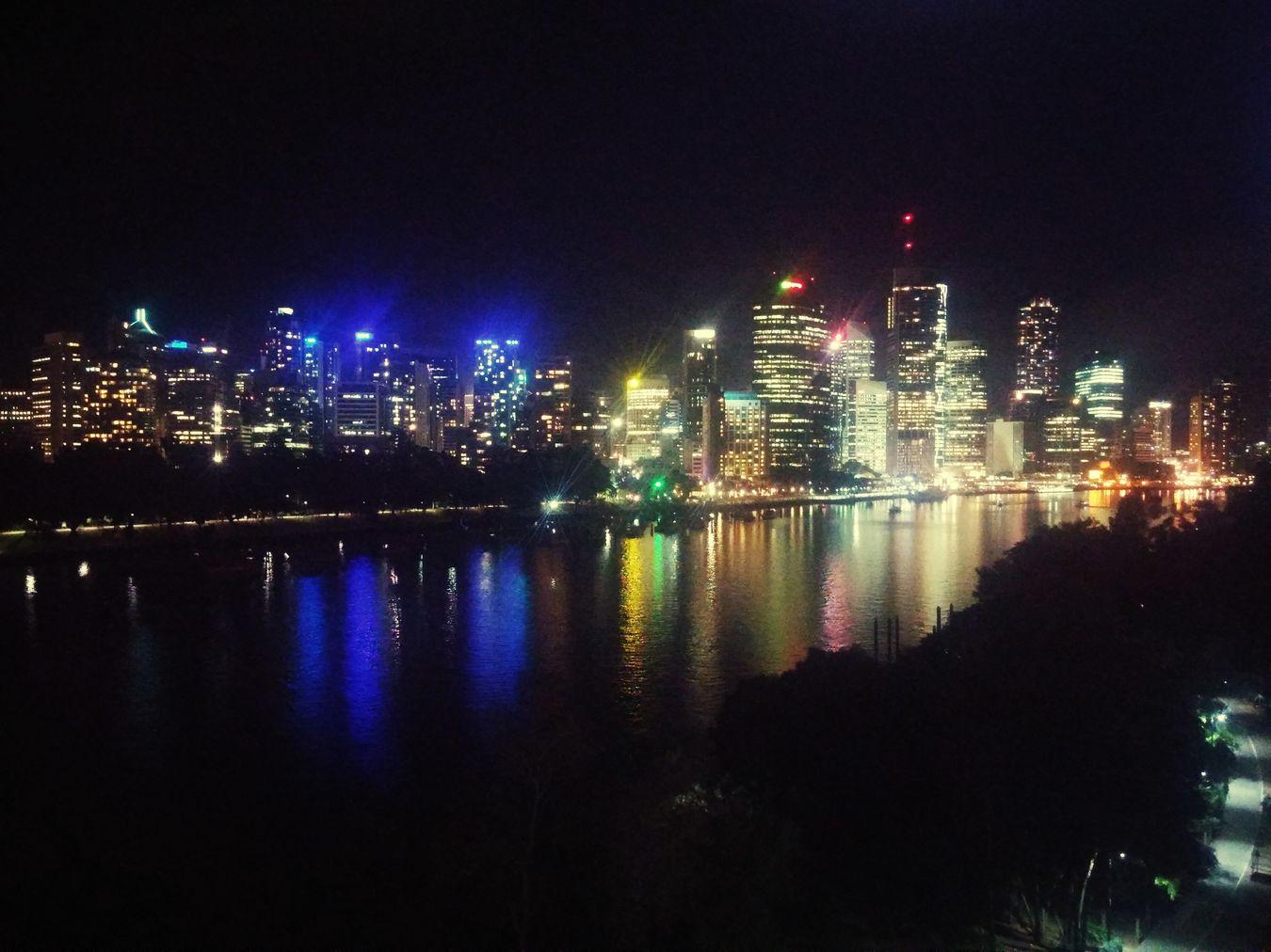 Christmas evening at Brisbane. River View Beuatifulview Evening Light Urbancity