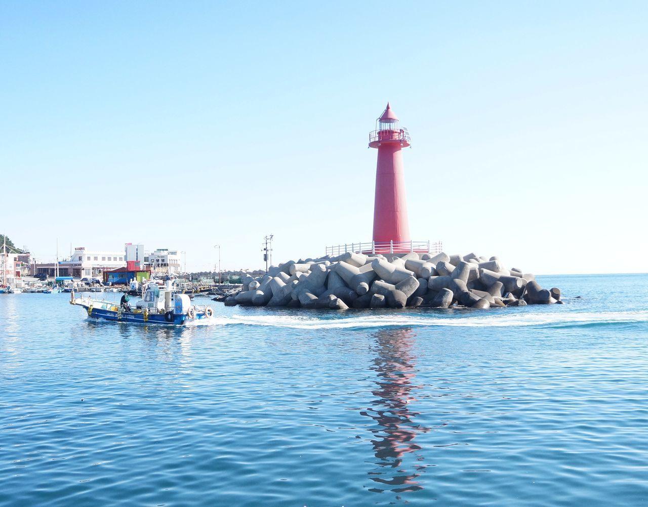 청사포 해운대 등대 방파제 Lighthouse Haeundae Sky Beach Water Reflection Ship Busan,Korea
