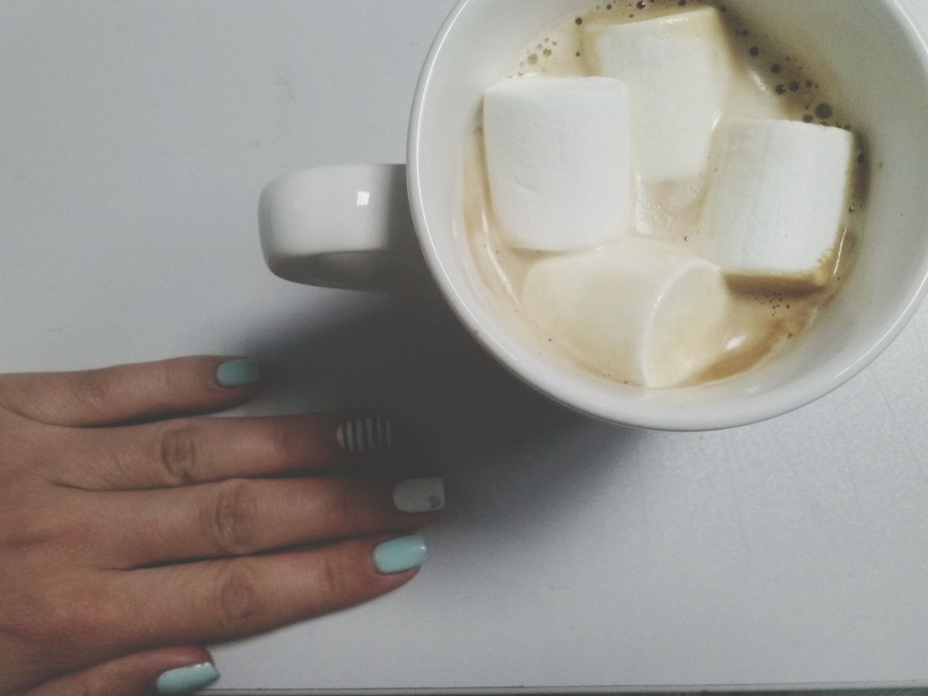Coffee Marchmellows Summer Manicure Shellac