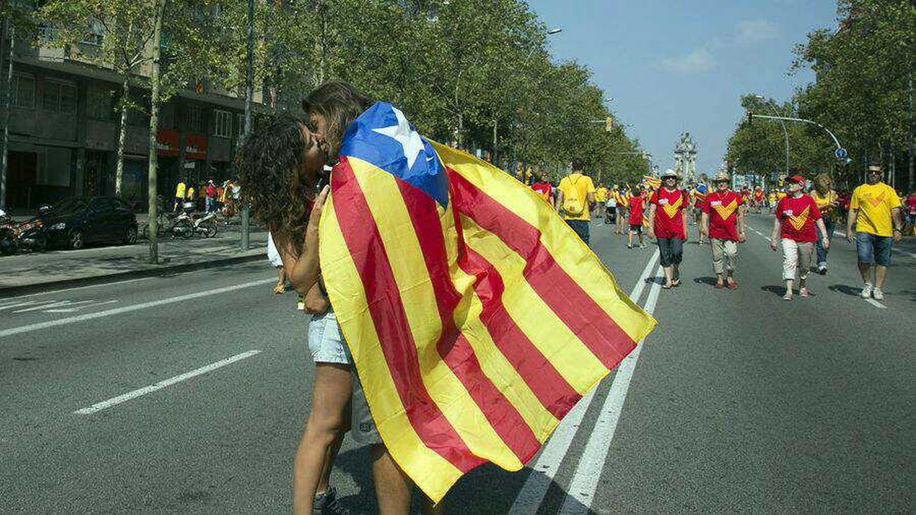 #V #Araeslhora 11s2014 Barcelona Petó Llibertat