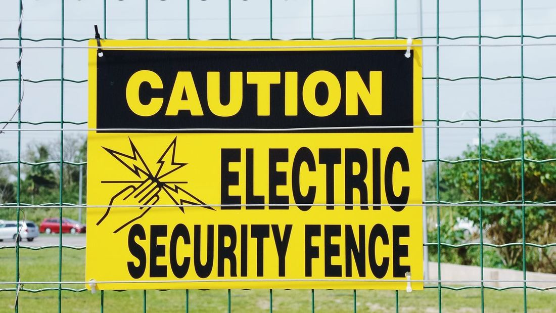 Fence Sign Taking Photos Samsung Kzoom Port Of Spain Trinidad And Tobago Electric Wire Shocking Caution