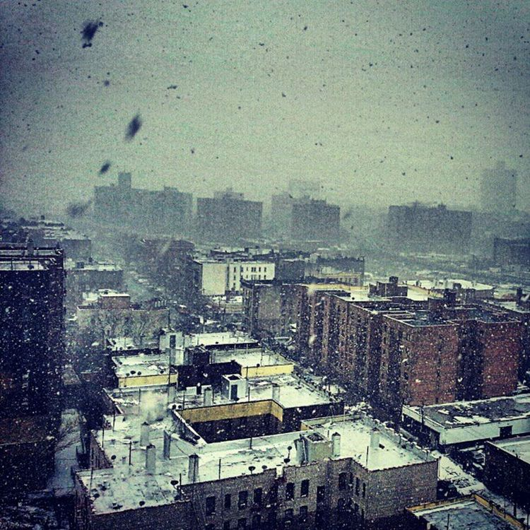 @mikefavetta , just got home from work just in time before the Snow started to fall down. Bronx NYC News12TheBronx snowing weather gs3 galaxys3