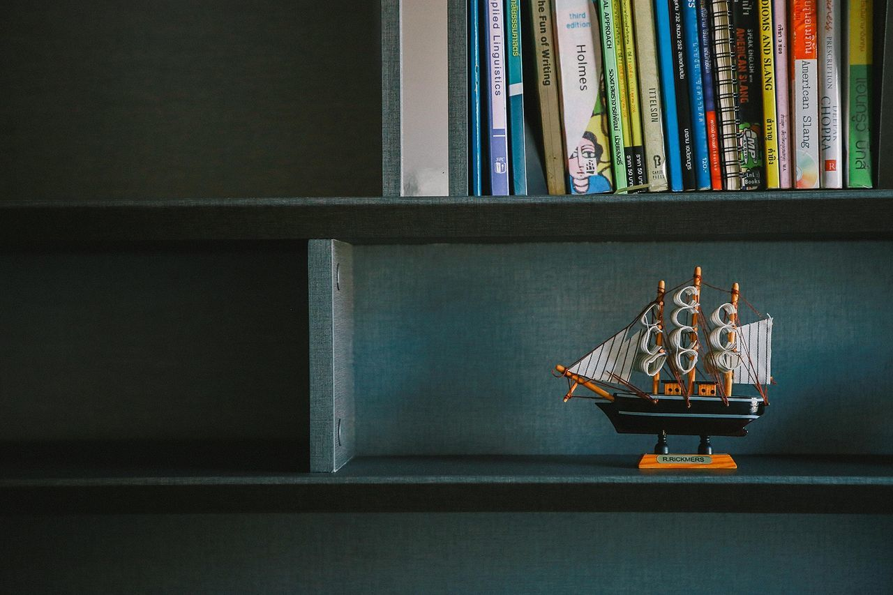 ship&book Bangkok Book Booking A Room Books Books ♥ Bookshelf Bookstagram Home Interior Indoors  Model No People Room Shelf Ship Ships Ships⚓️⛵️🚢 Thai Thailand Thailand_allshots Book Collections Bookphotography