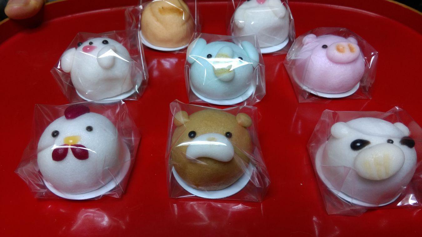 Manju Japanese Sweets Suvenir 上用(じょうよう)饅頭というものらしい(笑)。姉からの土産物