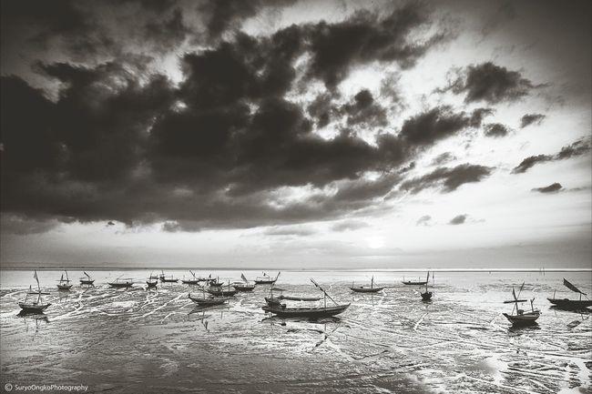 Stranded... Sea Enjoying The Sun Landscape_photography Blackandwhite Photography