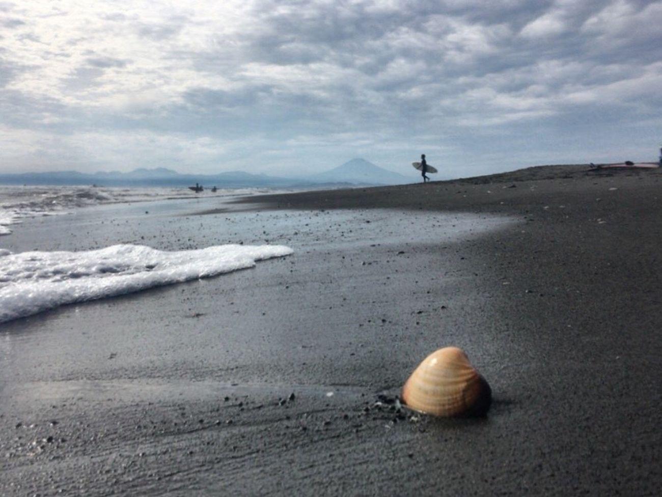 海 雲 空 Mt Fuji Sillouette Beach Sand Shore Sea Sky Coastline Tranquility Beauty In Nature Wave Scenics Cloudscape Cloud - Sky Shell 🐚 Sea And Sky Beachphotography