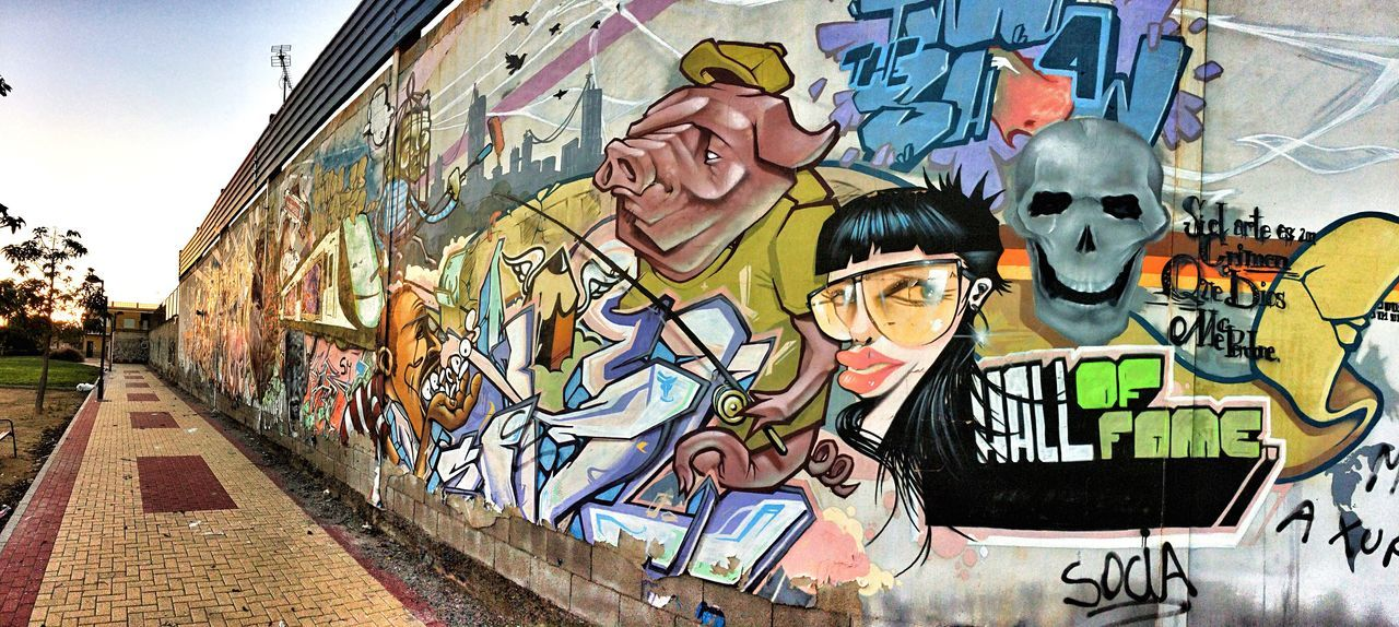Grafitti Hall Of Fame Creativity Street Art Graffiti Low Angle View Lifestyles City Adult