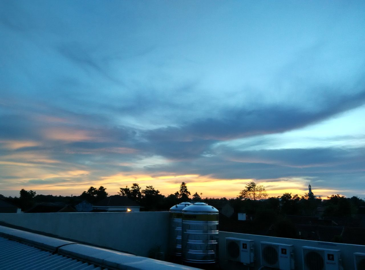 Sky No People Sunset Outdoors Cloud - Sky Dusk Sky Tranquility Tranquil Scene Outgoing Day Roof Top