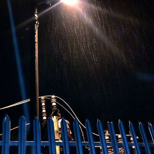 Because some things sometimes aren't ours to hold,but just beautiful to listen to.:Turquoise Silence ☔ Nofilter Beautiful Winter Rain Droplets Night Walk Scene Lucknowdiaries Streetlight Rays Electricity  LettingGo Solitaryconfinement EnjoyYourOwnCompany Instadaily Instagood Instalike Randomness